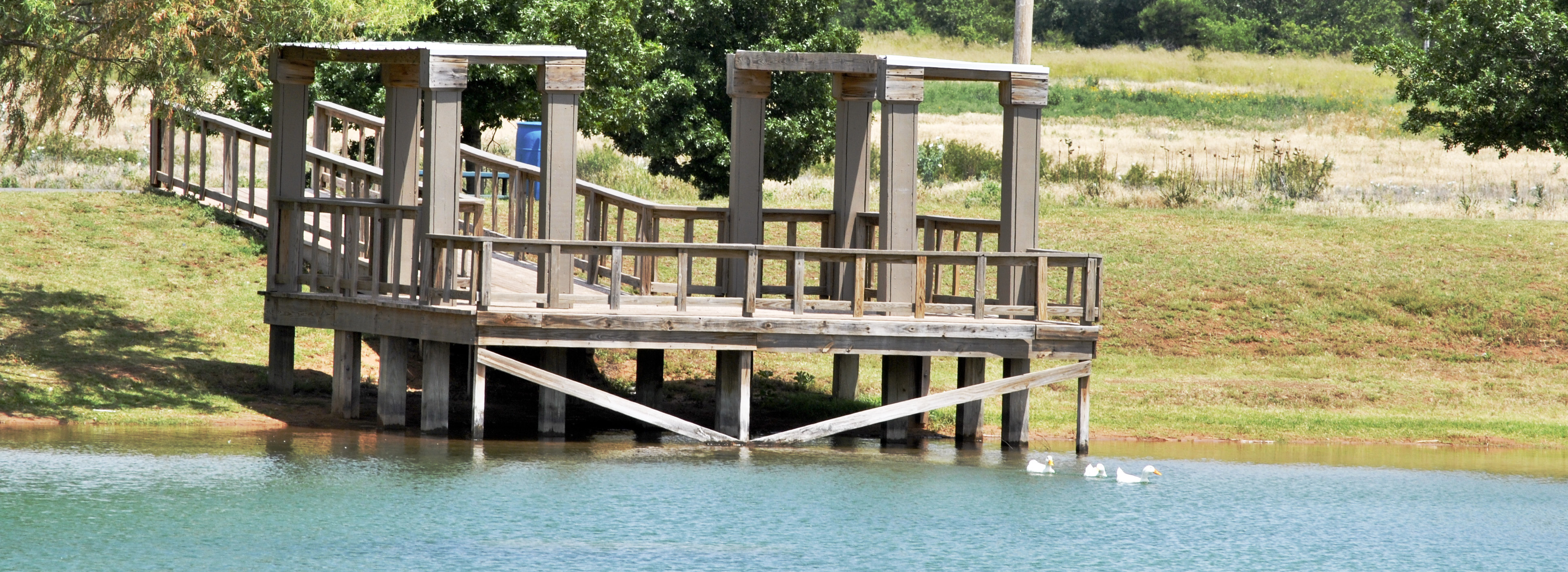 picture of the Ole Fishin Hole dock